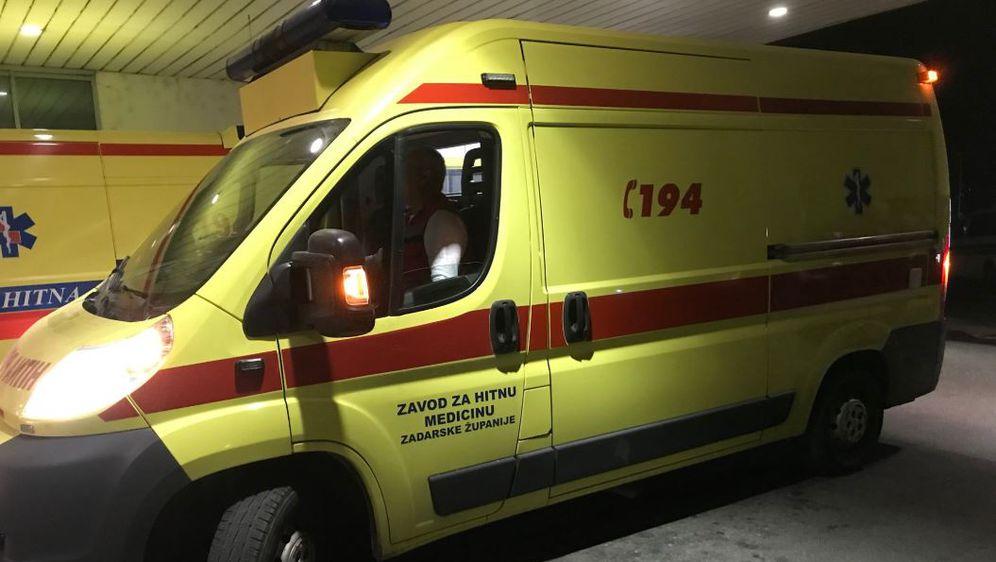 Sanitetsko vozilo koje je teško ozlijeđenu djevojčicu dovezlo u Zagreb (Foto: Dnevnik.hr)