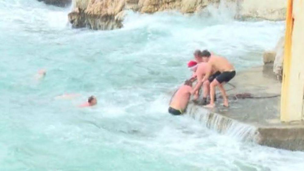 Spašavanje kupača (Screenshot: Kanal Ri)