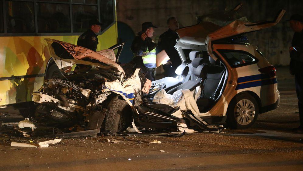 Službenim vozilom se zabili u autobus, ozlijeđena dvojica policajaca (Foto: Ivo Cagalj/PIXSELL)