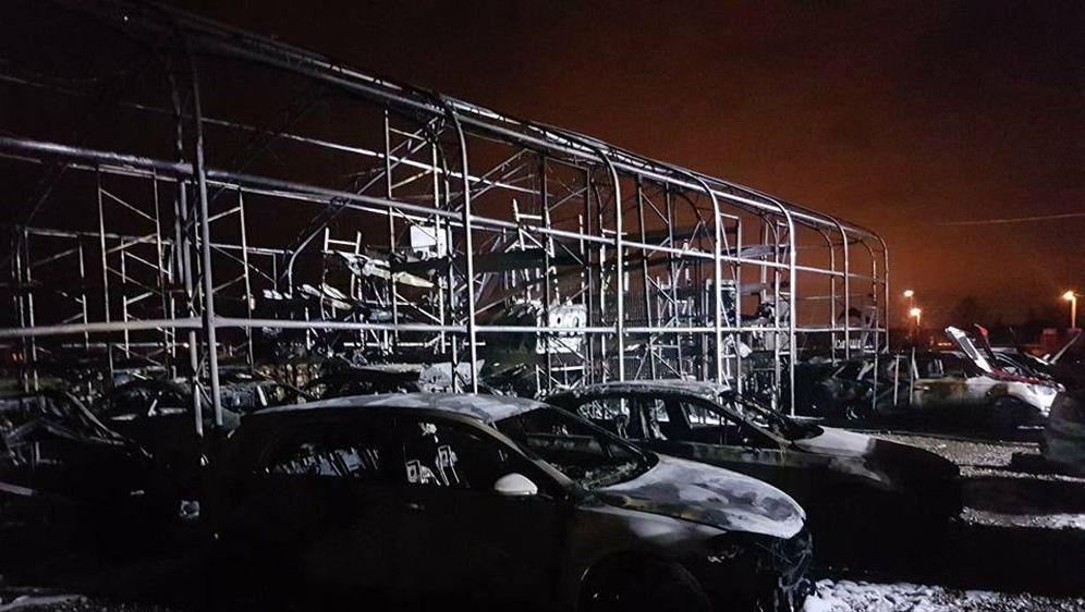 Požar u Strmcu Samoborskom uništio automobile (Foto: Facebook Vatrogasna zajednica Sv. Nedelje) - 1