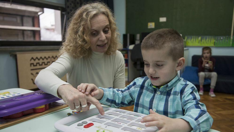 UNICEF je s partnerima pokrenuo program 'Potpomognuta komunikacija za djecu s teškoćama' vrijedan 1,69 milijuna kuna (FOTO: UNICEF)
