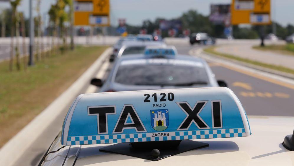 Prosvjed taksista, arhiva (Foto: Pixell)