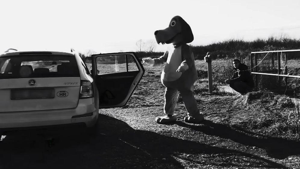 Kampanjom se želi potaknuti ljude da se odluče na udomljavanje životinja iz skloništa umjesto na kupnju (FOTO: Screenshot)