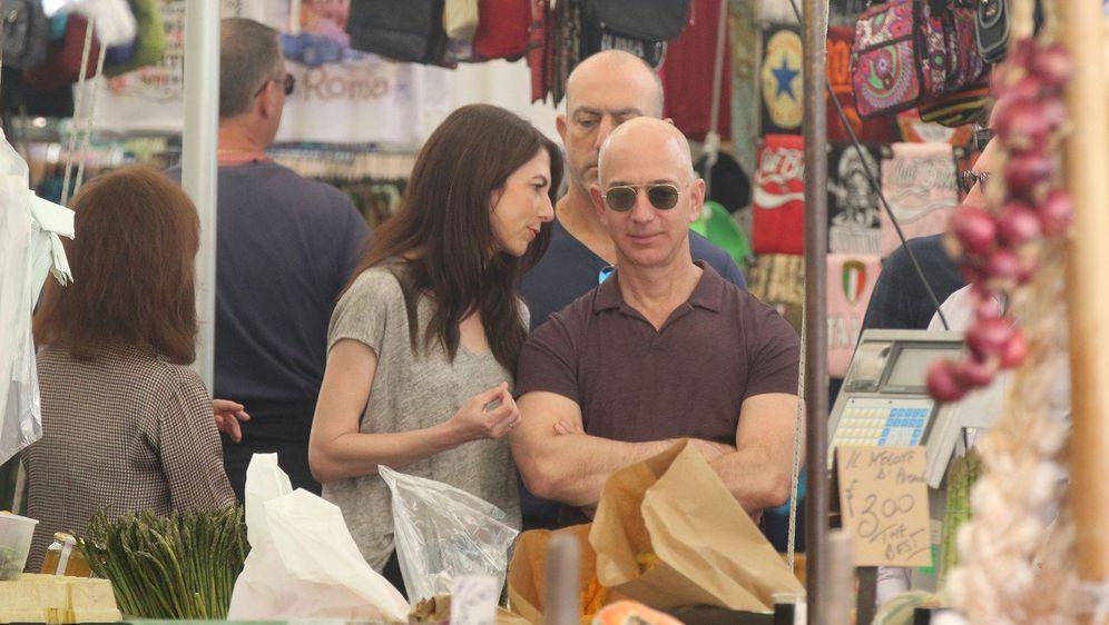 Jeff i MacKenzie Bezos (Foto: Profimedia)