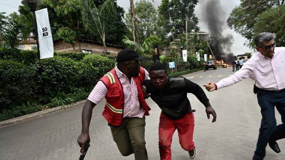 U napadu u Nairobiju ubijeno je najmanje 15 ljudi (Foto: AFP) - 8