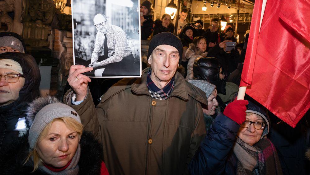 Tisuće Poljaka odale počast ubijenom gradonačelniku Gdanjska (Foto: AFP) - 4