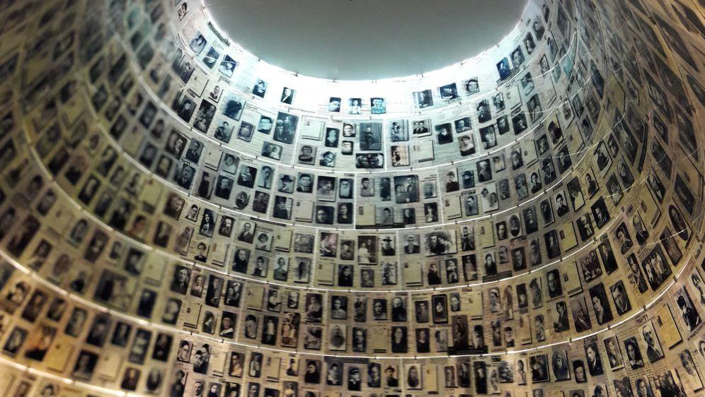 Uz Dan Holokausta (Foto: Hina/Ivo Lučić) - 1