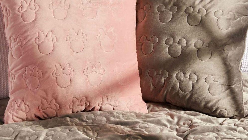 Primark jastuci s omiljenim likovima prodaju se za 8 eura (59,55 kn)