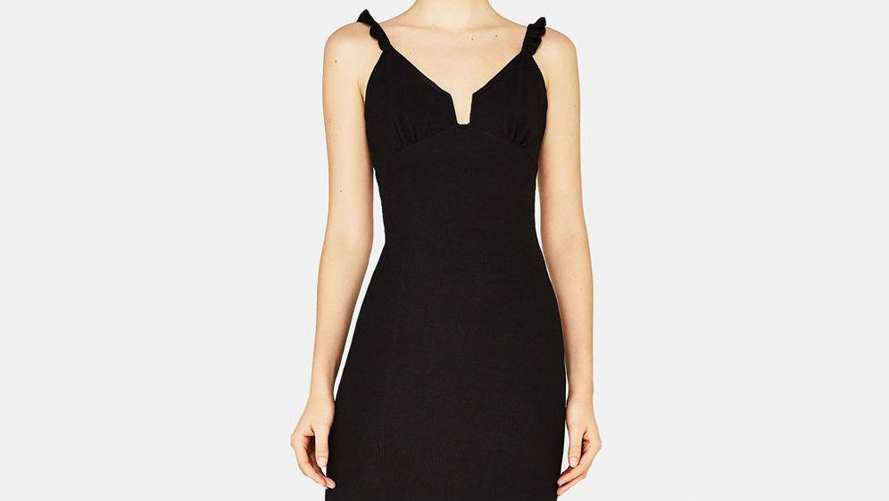 Mala crna haljina uvijek je dobra ideja