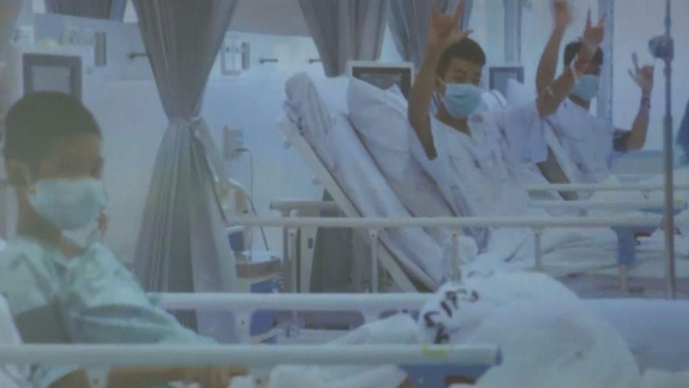 Prve snimke dječaka nakon izlaska iz špilje (Screenshot: AP)