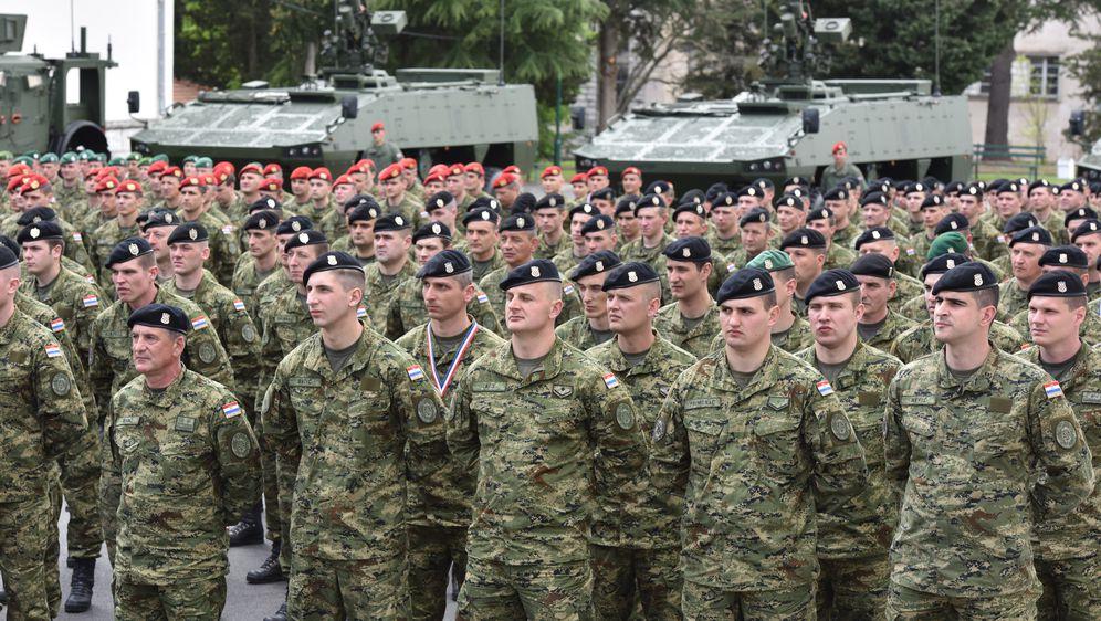 Hrvatska vojska, arhiva (Foto: Hrvoje Jelavic/PIXSELL)