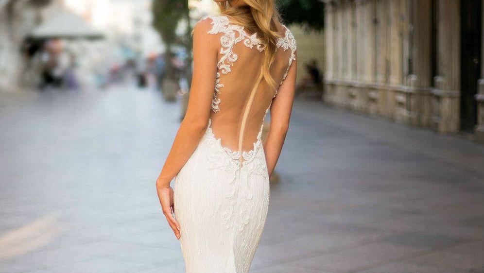 Ove godine popularne su vjenčane haljine naglašenih leđa