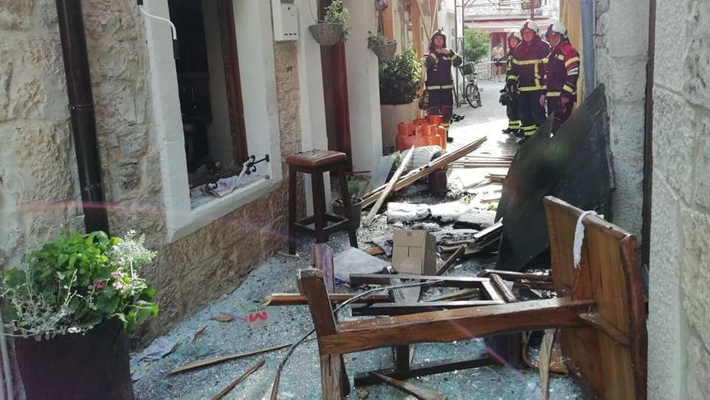 Eksplozija uništila lokal u Umagu (Foto: JVP Umag) - 6