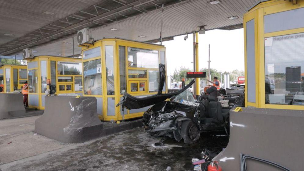 Prometna nesreća na naplatnim kućicama (Foto: Dnevnik.hr)