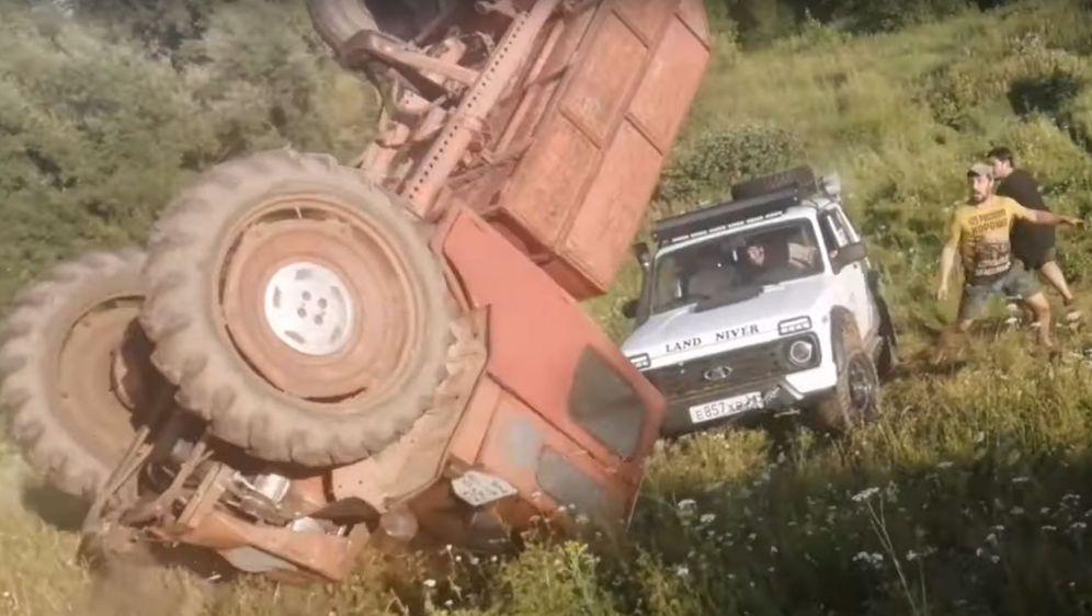 Traktor i Lada (Foto: Screenshot/YouTube)