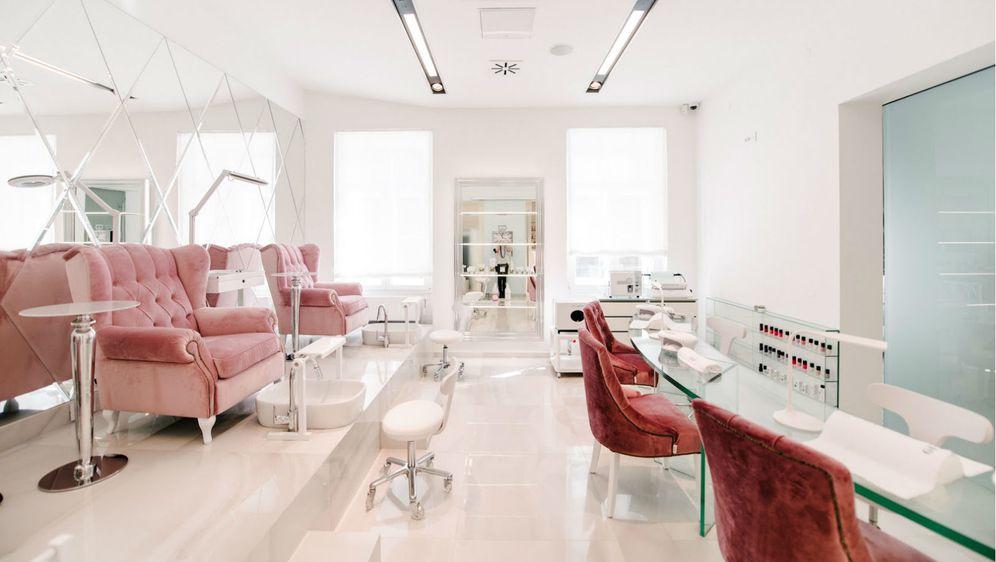 Zagrebački salon ljepote No. 26 Beauty Lounge klijentima nudi usluge uz kavu, čaj ili džin limunadu za potpuno opuštanje
