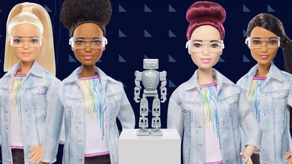 STEM Barbie predstavlja četiri ljudske rase kako bi se u njoj našlo što više djevojčica