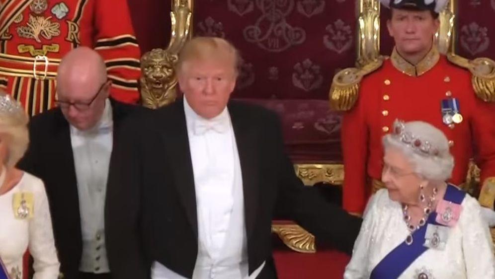 Donald Trump i kraljica Elizabeta (Foto: Youtube Screenshot)