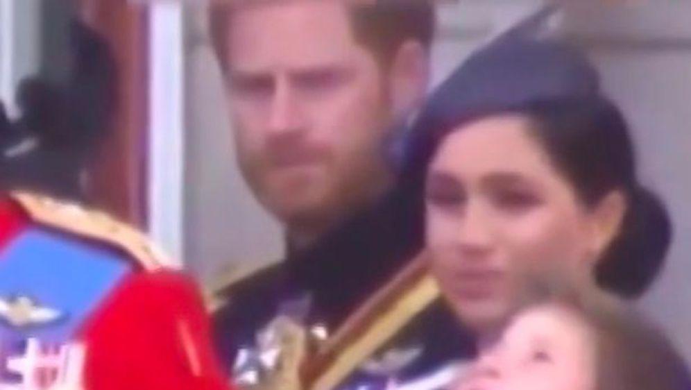 Meghan Markle i princ Harry (Foto: Screenshot Twitter)