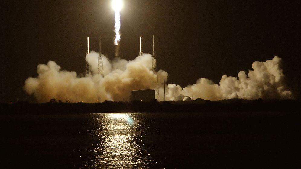 Raketa, ilustracija (Foto: BRUCE WEAVER / AFP)