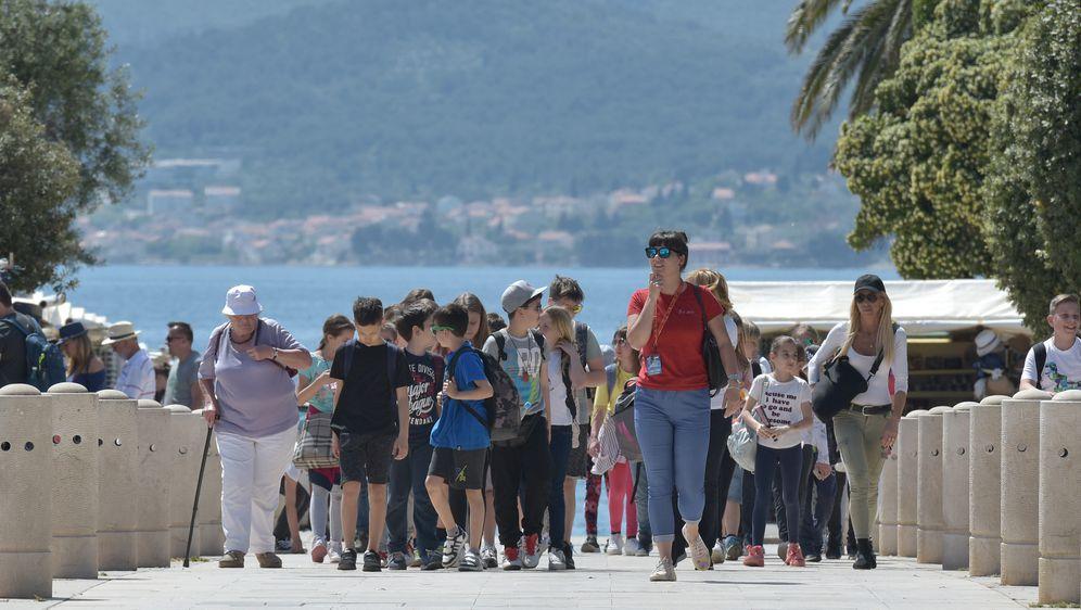 Turisti (Foto: Arhiva/Dino Stanin/PIXSELL)