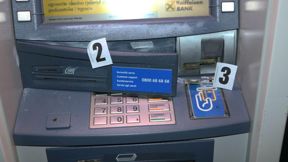 Bankomat na kojem je bio skimmer, ilustracija (Foto: PU dubrovačka)