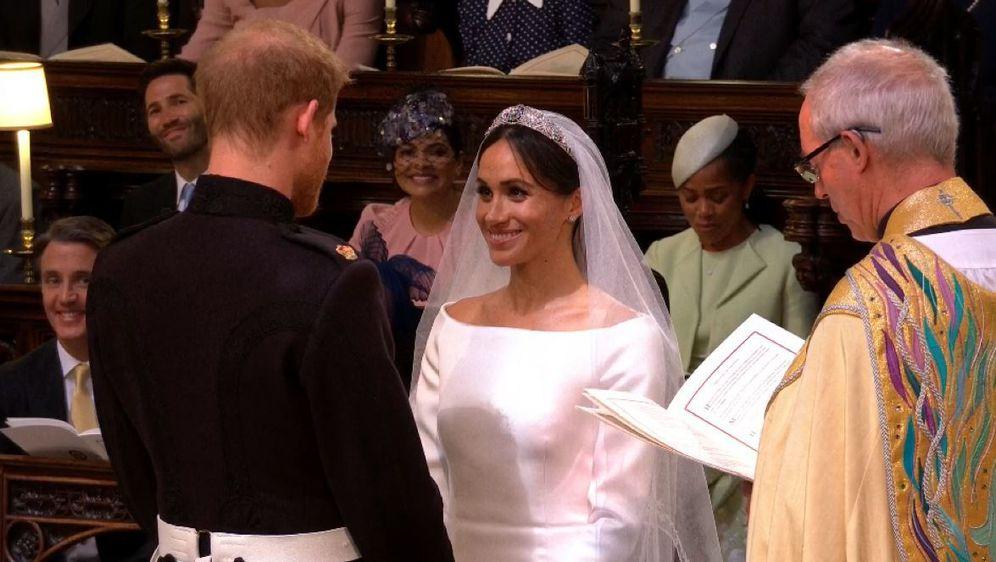 Razmjena zavjeta princa Harryja i Meghan Markle (Foto: Dnevnik.hr) - 1