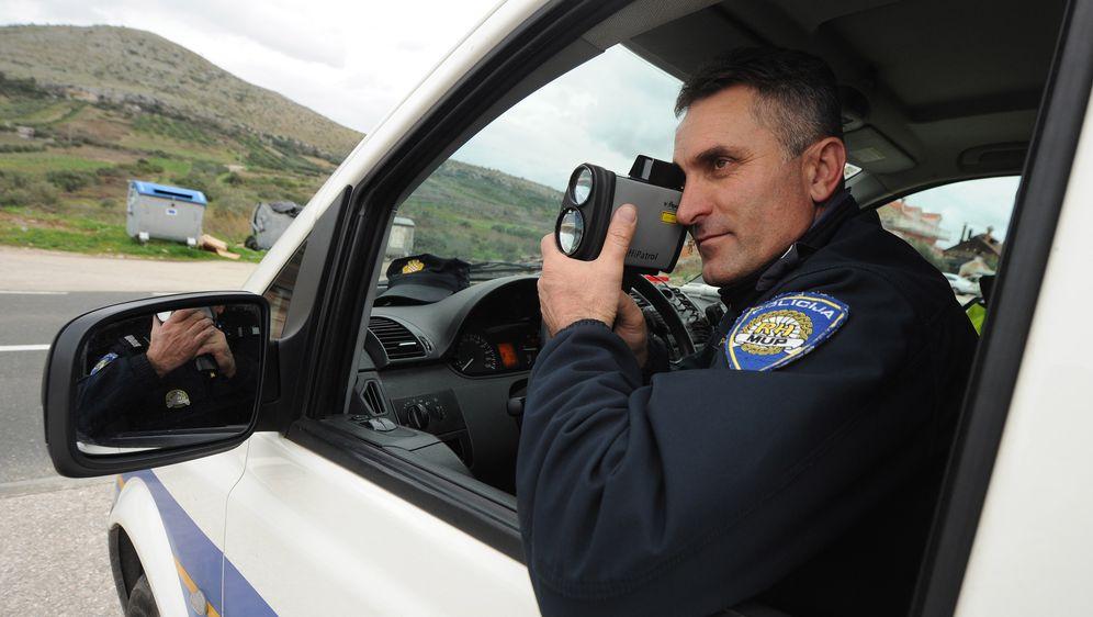 Policija (Foto: Hrvoje Jelavic/PIXSELL)