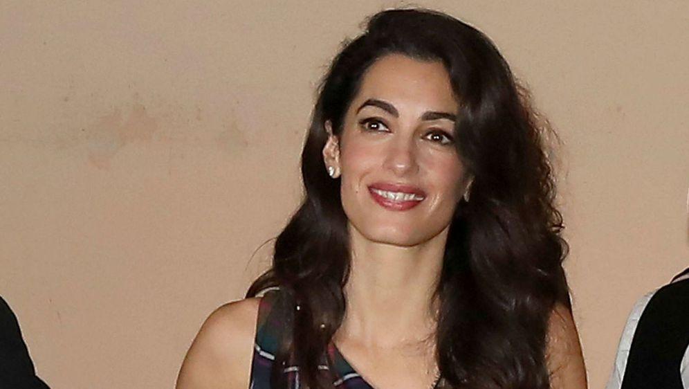 Amal Clooney otišla je na večeru sa suprugom Georgeom