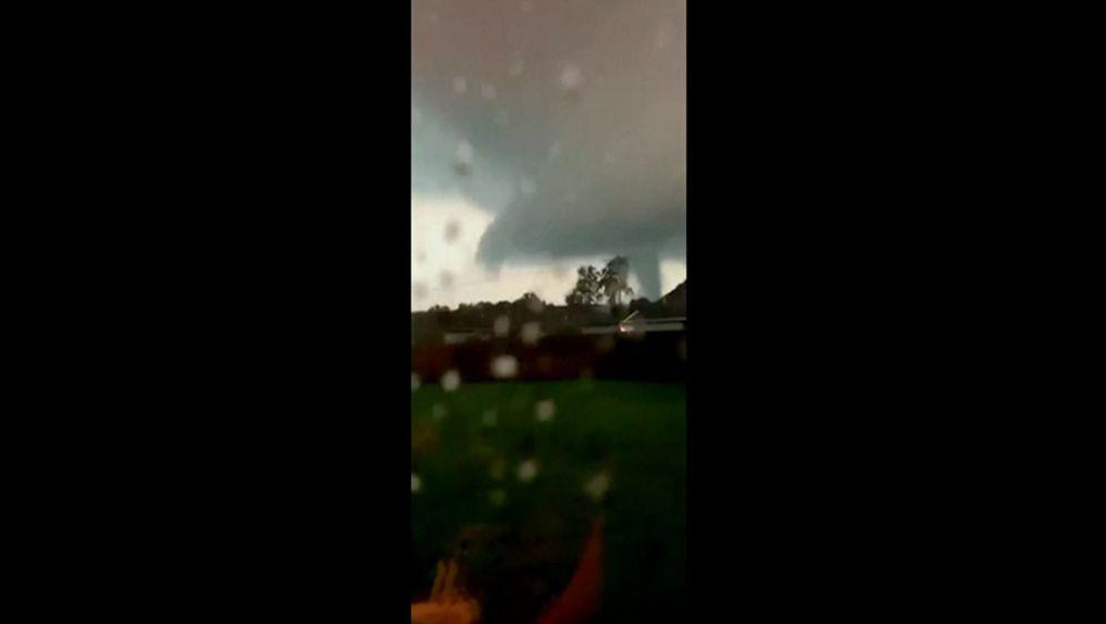Tornado poharao grad u saveznoj državi Missouri (Foto: APTN)