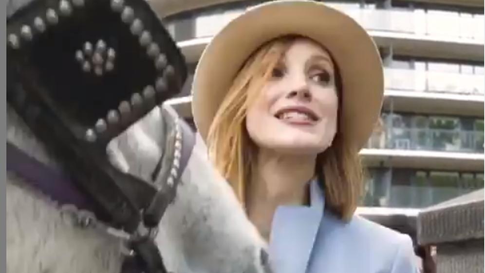 Jessica Chastain i konj (Foto: Instagram)