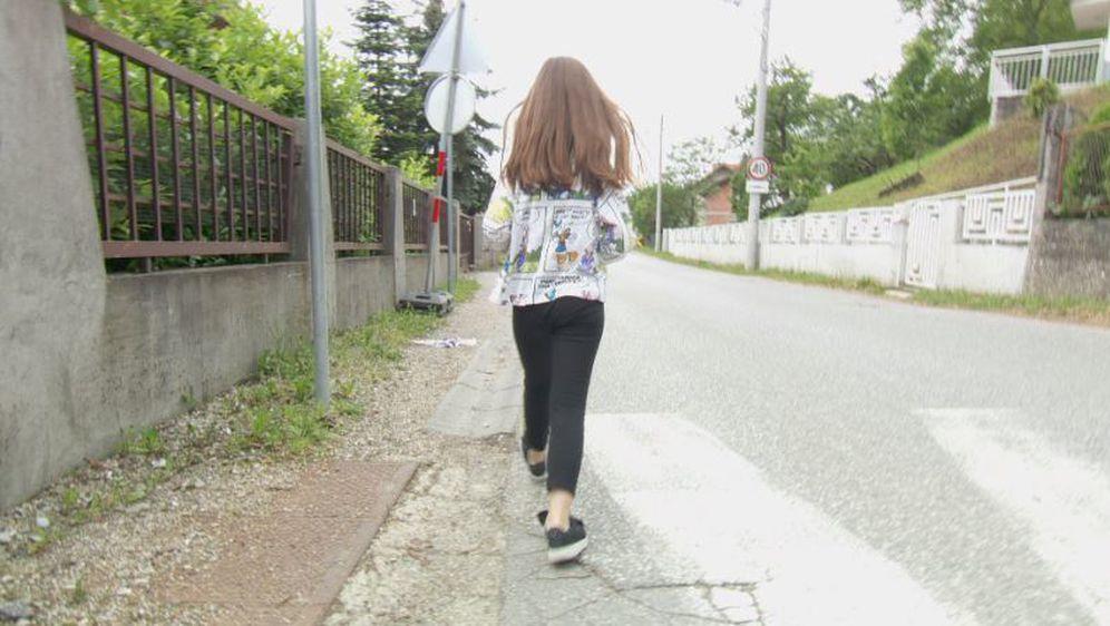 U Gajnicama će se postaviti asfaltne trake (Foto: Dnevnik.hr) - 1