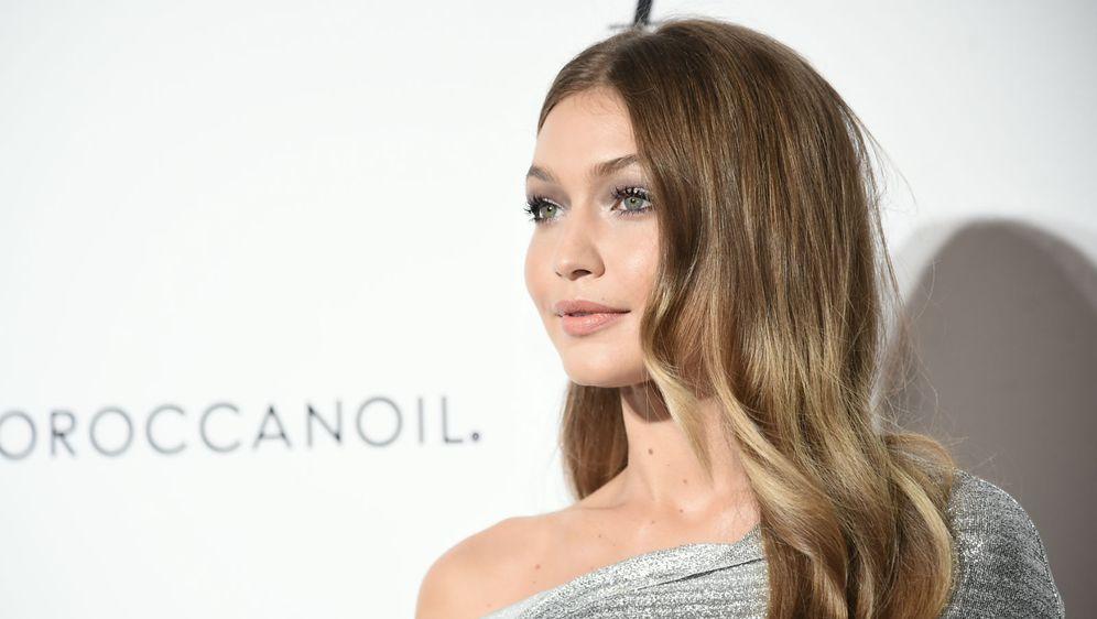 Gigi Hadid ima bež nijansu kose
