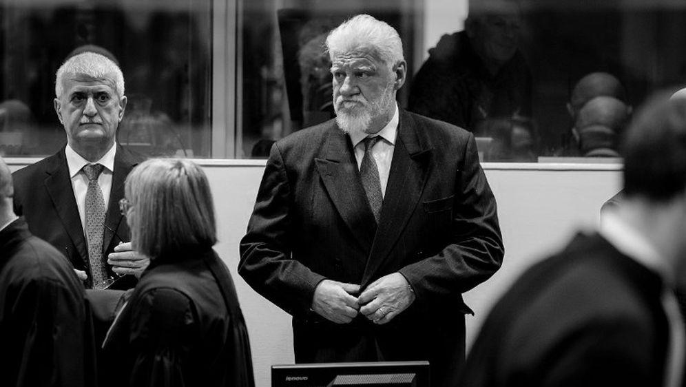 Slobodan Praljak u haškoj sudnici na dan kad je popio bočicu otrova i preminuo (Foto: Dnevnik.hr)