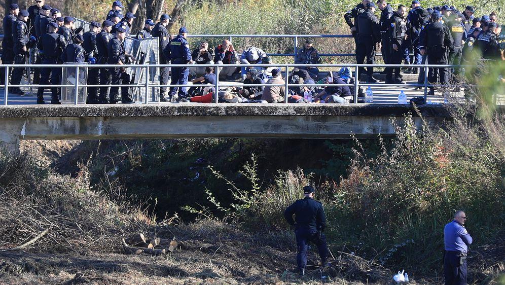 Migranti (Foto: Slavko Midzor/PIXSELL)