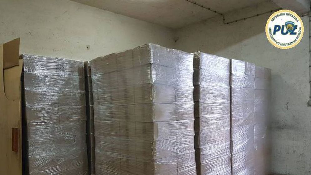 U skladištu u Zagrebu policija otkrila čak 10 tona duhana (Foto: PUZ)
