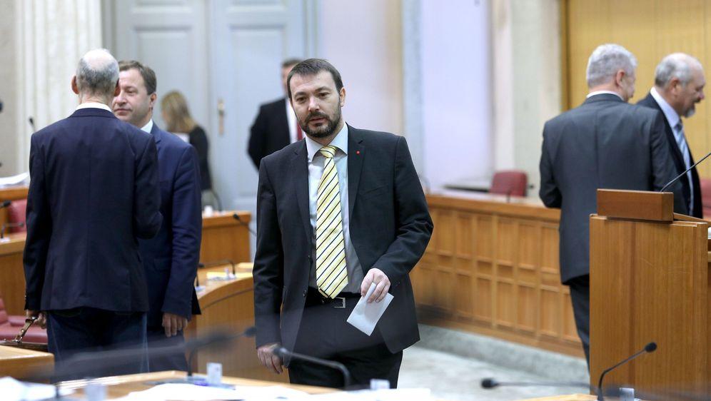Arsen Bauk u sabornici (Foto: Patrik Macek/PIXSELL)