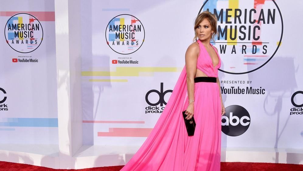 Jennifer Lopez na dodjeli Američkih glazbenih nagrada 2018. godine (Foto: Profimedia) - 3
