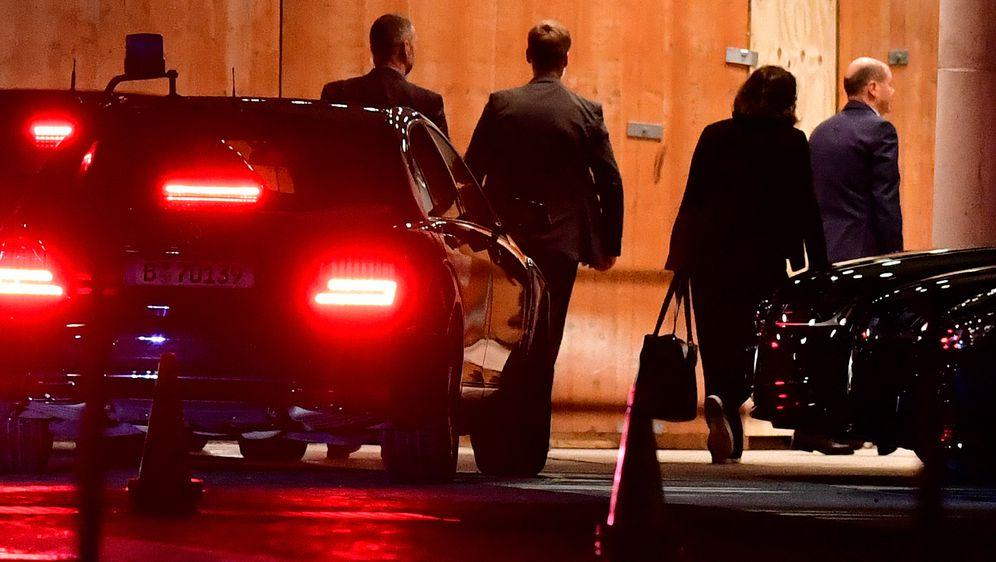 Delegacija zapela na putovanju (Foto: AFP)