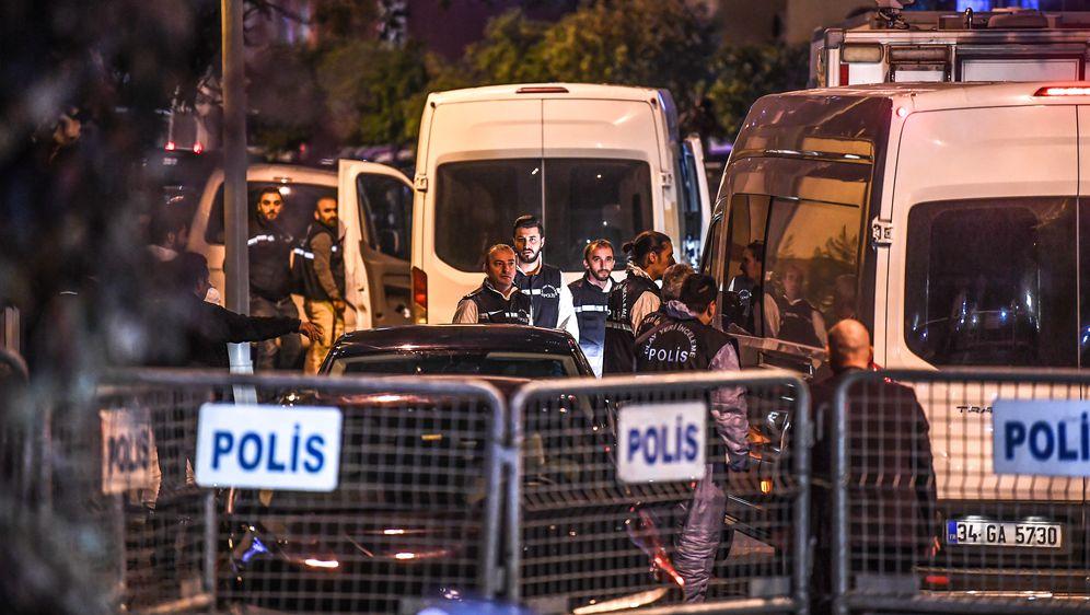 Policija pred zgradom saudijskog veleposlanstva (Foto: AFP)