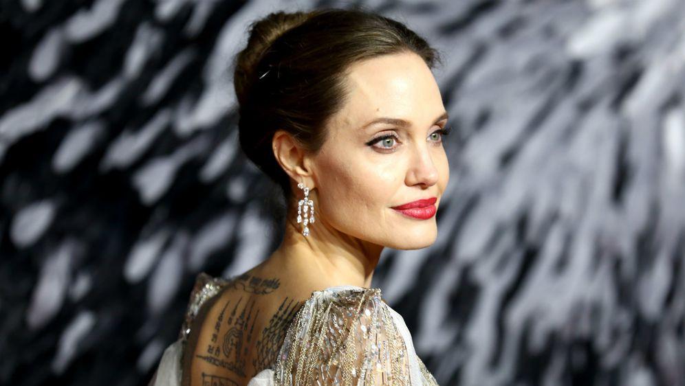Angelina Jolie uvijek privlači pažnju svojim modnim izborima
