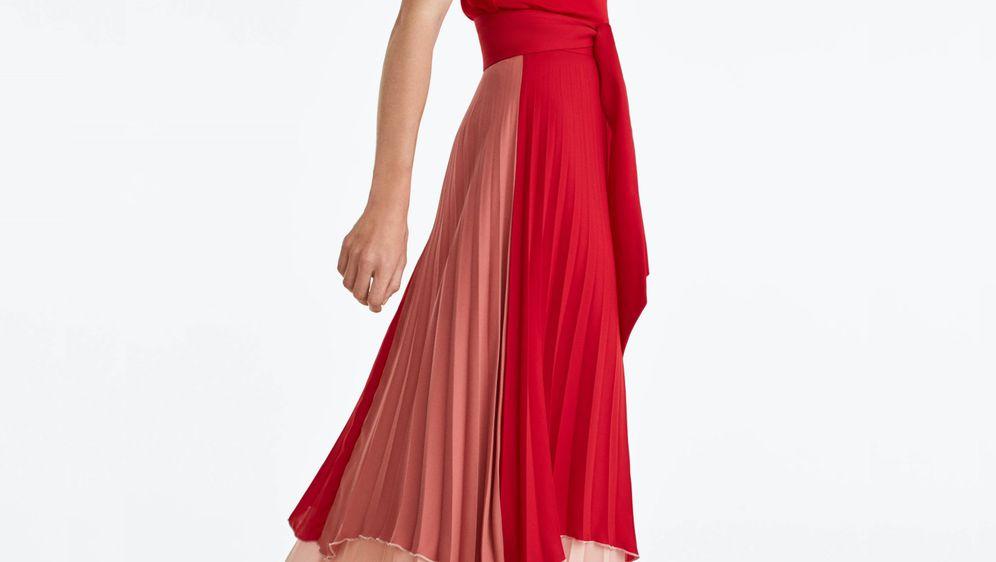 Plisiranim suknjama ne opada popularnost