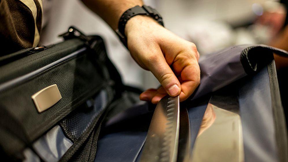 Nož u torbi, ilustracija (Foto: Getty)