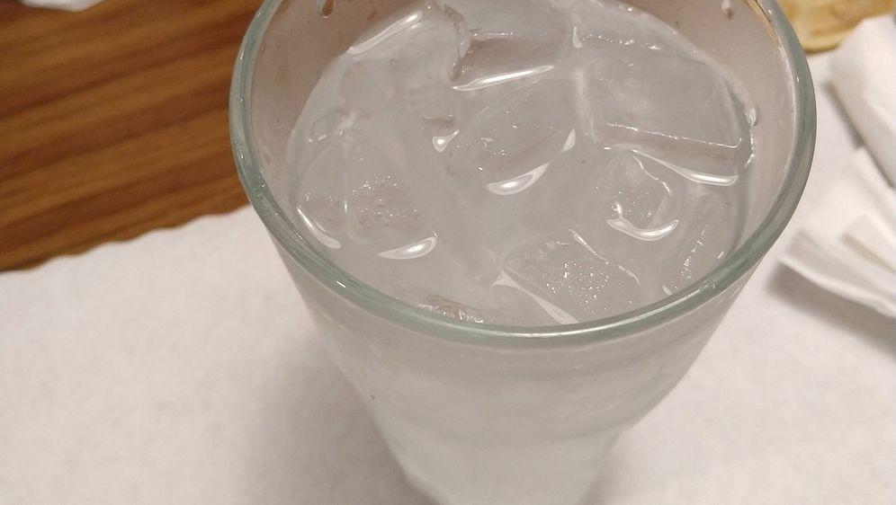 Slamka u čaši (Foto: Reddit)