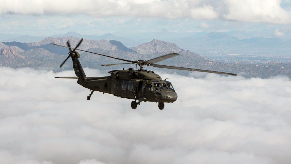 Black Hawk UH-60M, ilustracija (Foto: AFP)