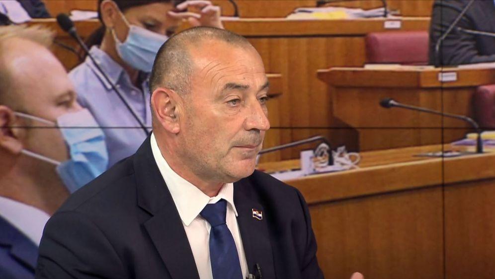 Tomo Medved, ministar hrvatskih branitelja