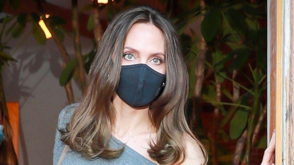 Angelina Jolie predstavila je svoju knjigu 'Know Your Rights and Claim Them: A Guide for Youth'