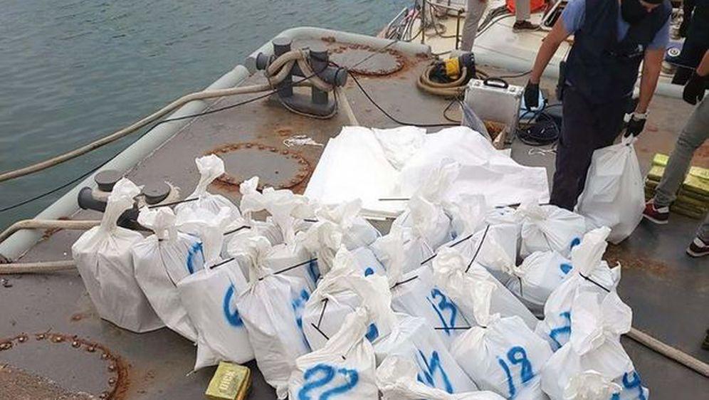Policija zaplijenila 800 kg kokaina (Foto: MUP Srbije)