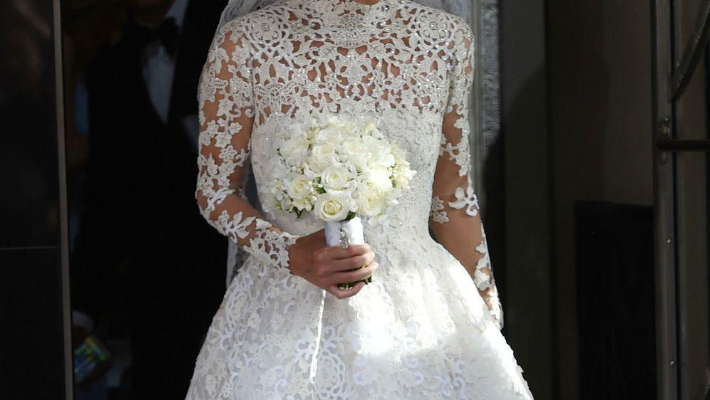 Nicky Hilton u vjenčanici s visokim ovratnikom modne kuće Valentino