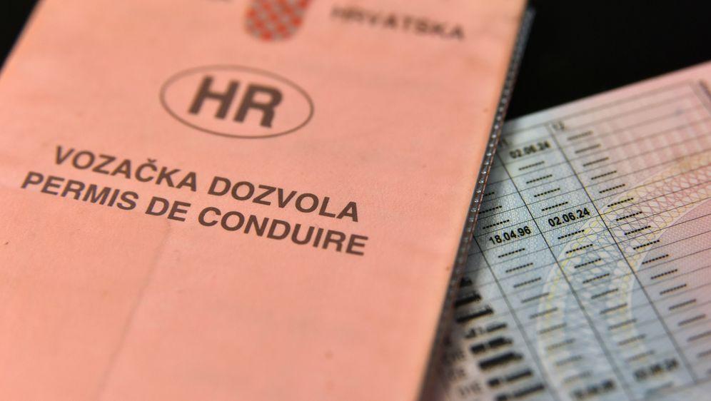 Vozačka dozvola (Foto: Hrvoje Jelavic/PIXSELL)